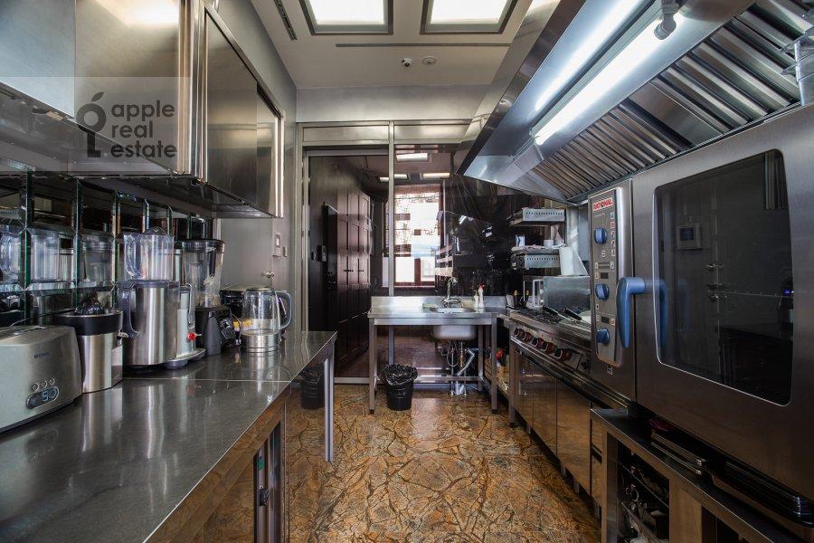 Kitchen of the 6-room apartment at Prechistenka 27