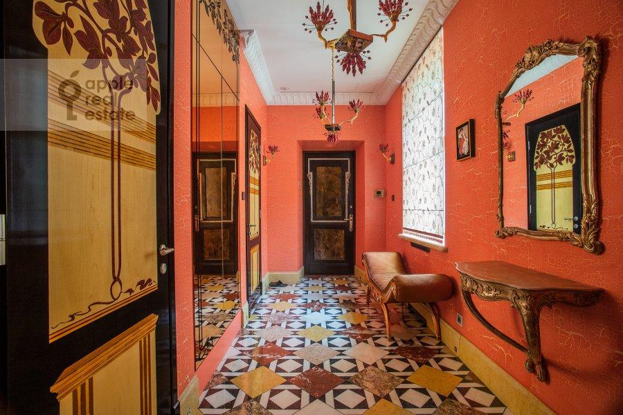 Corridor of the 6-room apartment at Prechistenka ul. 27
