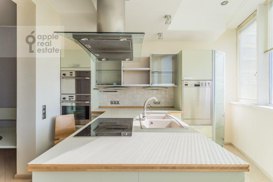 Kitchen of the 4-room apartment at Marshala Biryuzova 32k1