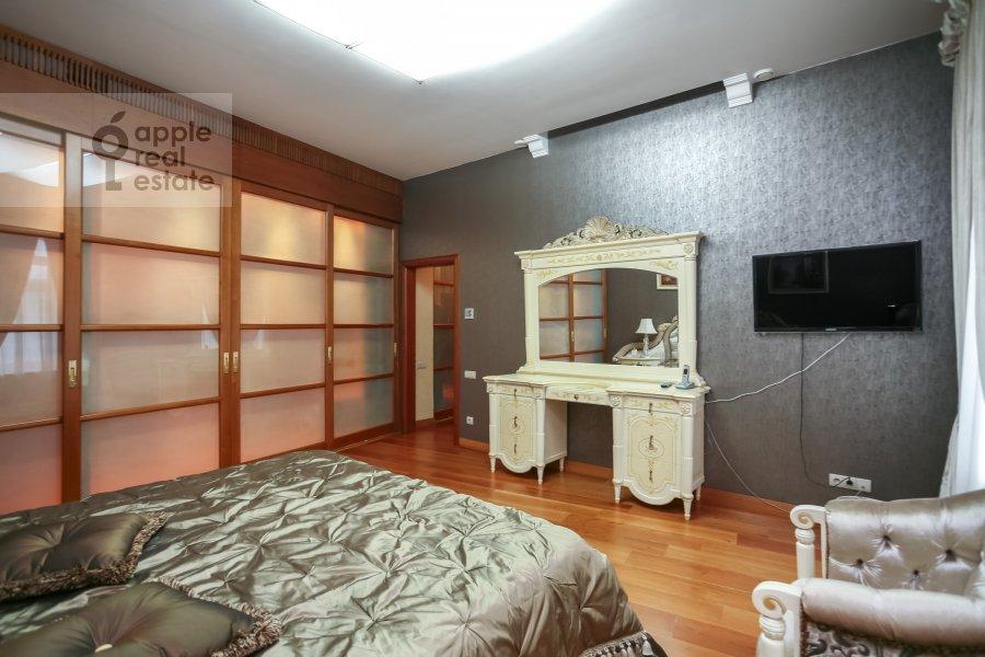 Bedroom of the 3-room apartment at Rozhdestvenskiy bul'v. 17