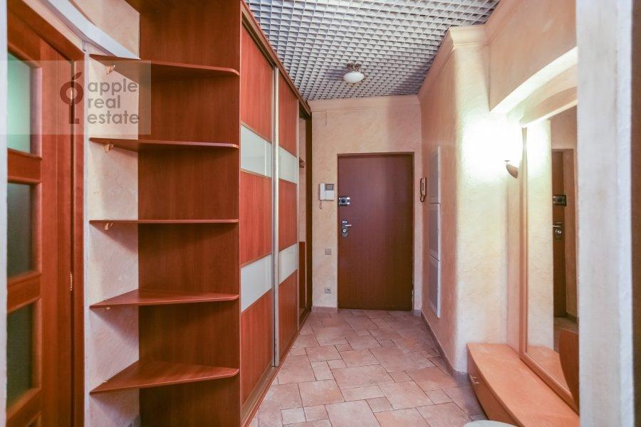 Corridor of the 3-room apartment at Rozhdestvenskiy bul'v. 17