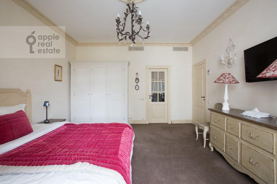 Bedroom of the 4-room apartment at Bol'shaya Polyanka ul. 43 str 3