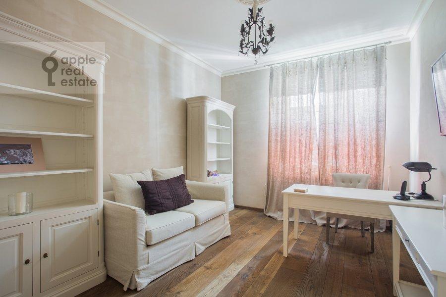 Children's room / Cabinet of the 4-room apartment at Bol'shaya Polyanka ul. 43 str 3