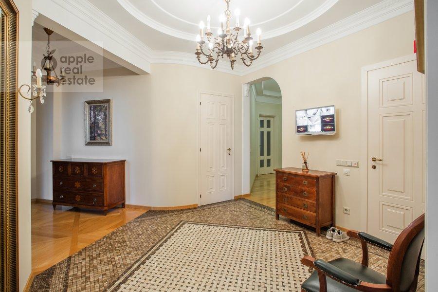 Коридор в 5-комнатной квартире по адресу Минская ул. 1Гк1