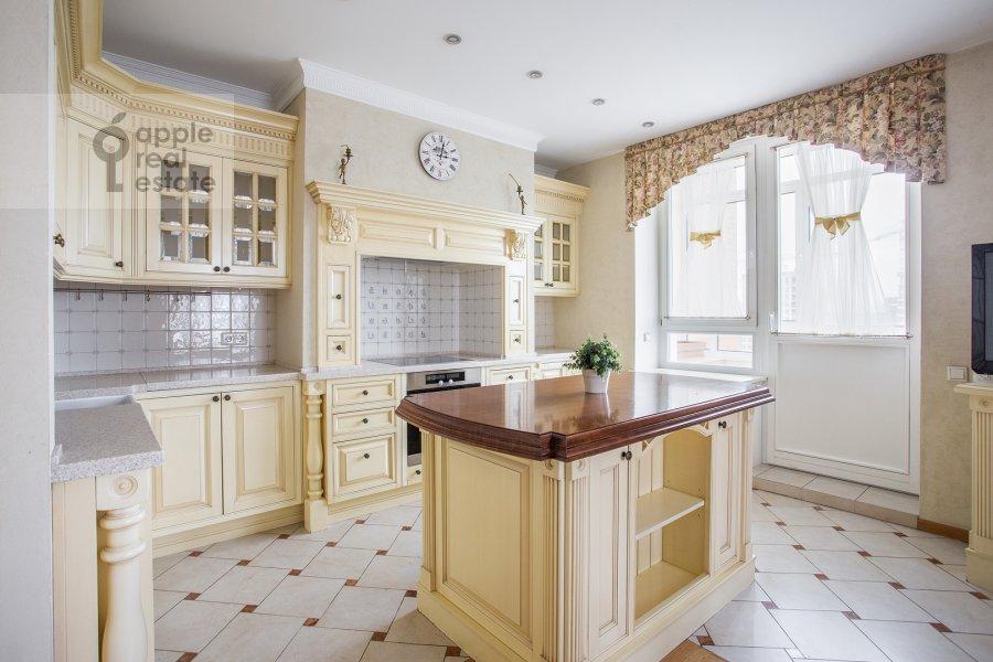 Кухня в 5-комнатной квартире по адресу Минская ул. 1Гк1
