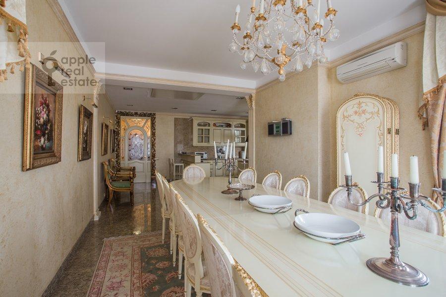 Kitchen of the 6-room apartment at Akademika Pilyugina 24k1