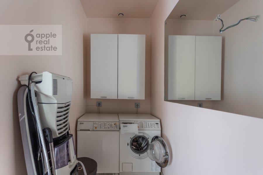 Гардеробная комната / Постирочная комната / Кладовая комната в 5-комнатной квартире по адресу Плющиха ул. 22