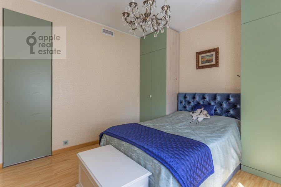 Bedroom of the 5-room apartment at Plyushiikha ul. 22