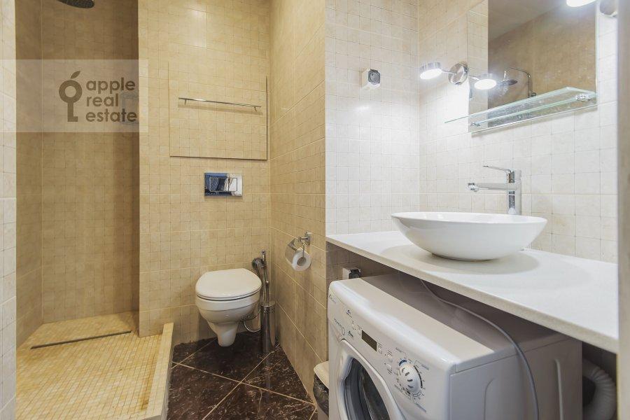 Bathroom of the 2-room apartment at Borisovskaya ul. 4