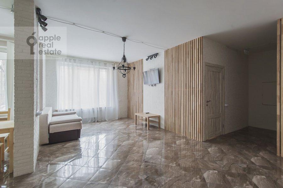 Living room of the 2-room apartment at Borisovskaya ul. 4