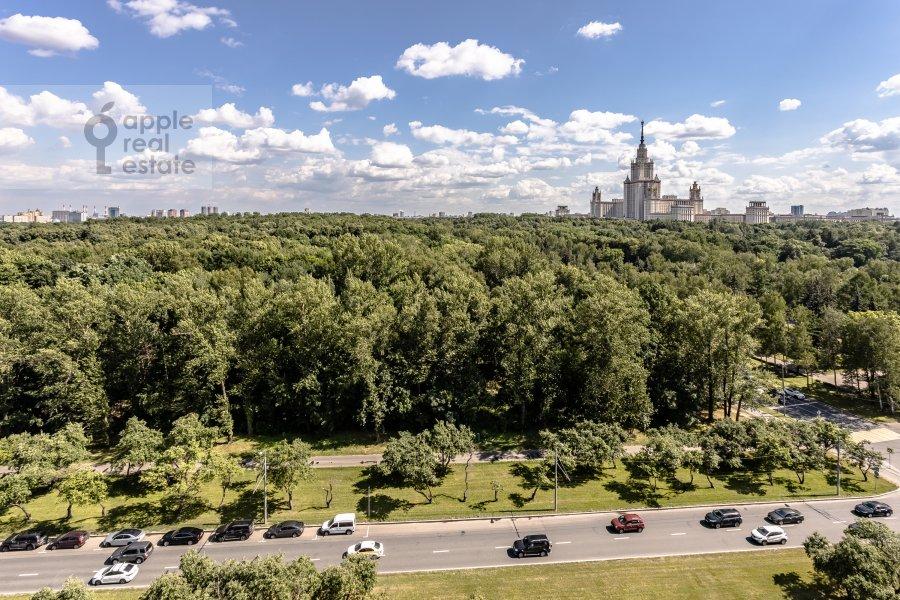 Вид из окна в 4-комнатной квартире по адресу Мичуринский пр-т 6к3