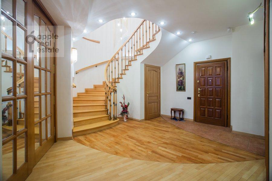 Коридор в 6-комнатной квартире по адресу Мичуринский пр-кт 29