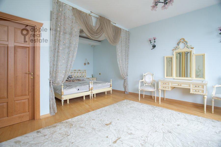 Спальня в 6-комнатной квартире по адресу Мичуринский пр-кт 29