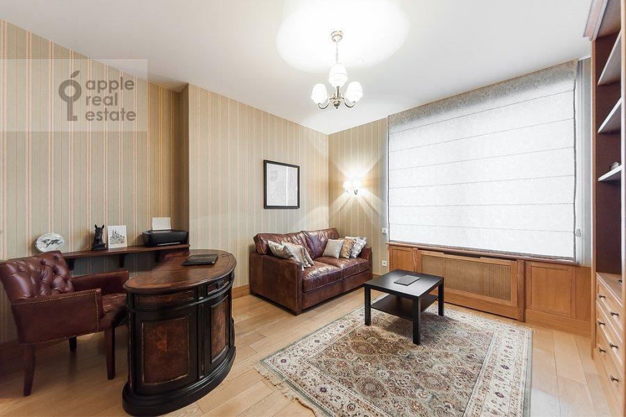Children's room / Cabinet of the 4-room apartment at Mosfil'movskaya ulitsa 70k3