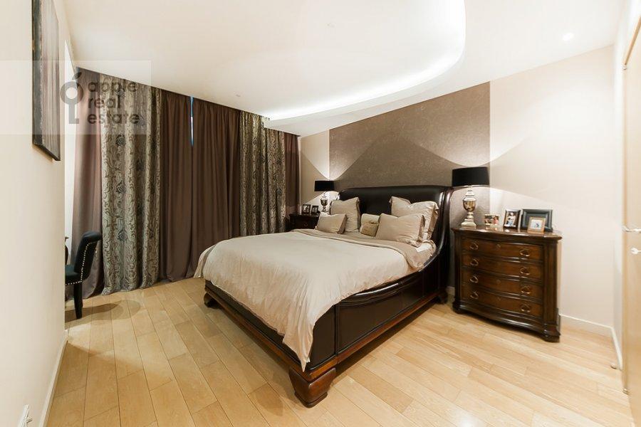 Bedroom of the 4-room apartment at Mosfil'movskaya ulitsa 70k3