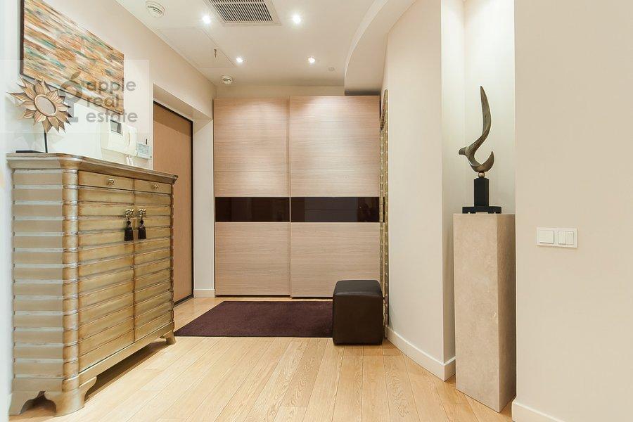 Corridor of the 4-room apartment at Mosfil'movskaya ulitsa 70k3