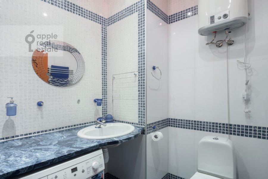Санузел в 4-комнатной квартире по адресу Архитектора Власова ул. 20