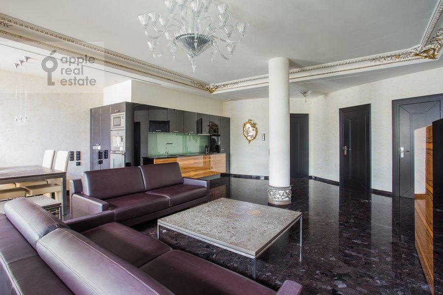 Living room of the 4-room apartment at Malaya Ordynka 13s1