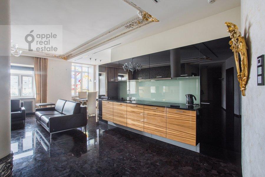 Kitchen of the 4-room apartment at Malaya Ordynka 13s1
