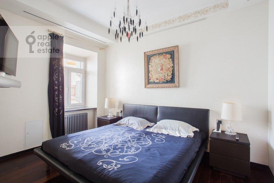 Bedroom of the 4-room apartment at Malaya Ordynka 13s1