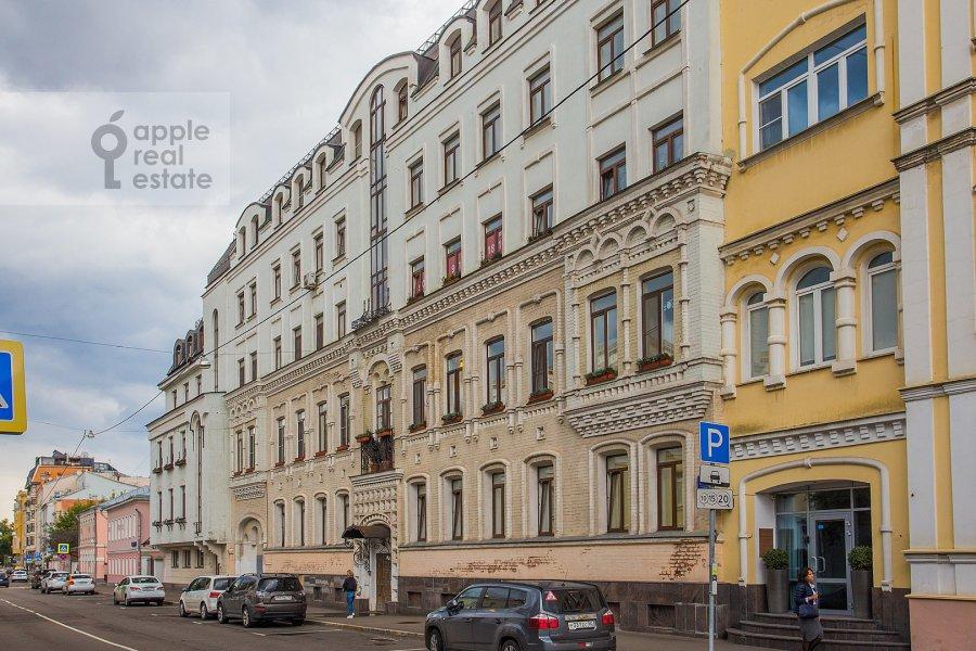 Фото дома 4-комнатной квартиры по адресу Малая Ордынка 13с1