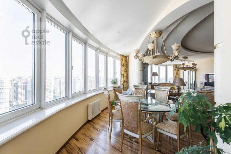 Living room of the 4-room apartment at Leninskiy prospekt 128k1
