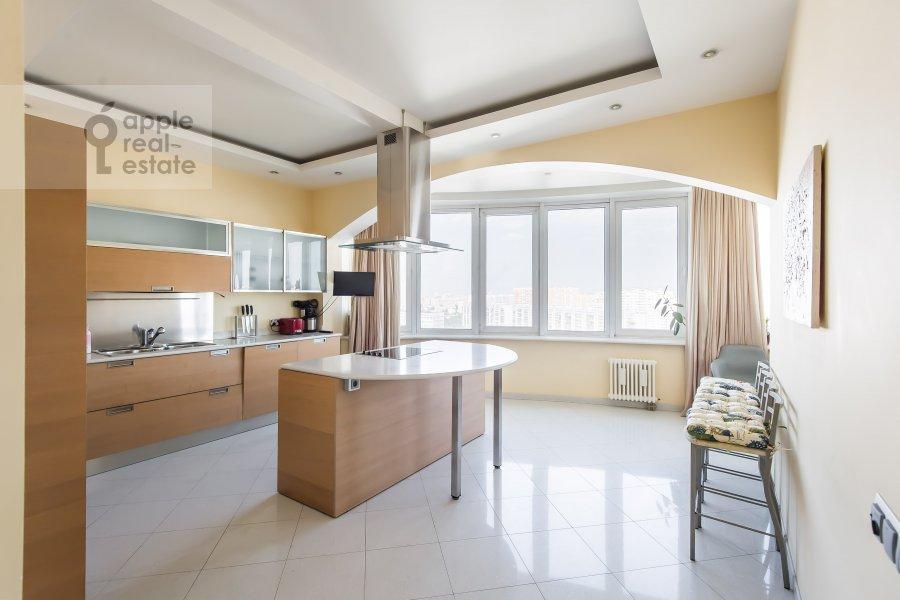 Kitchen of the 4-room apartment at Leninskiy prospekt 128k1