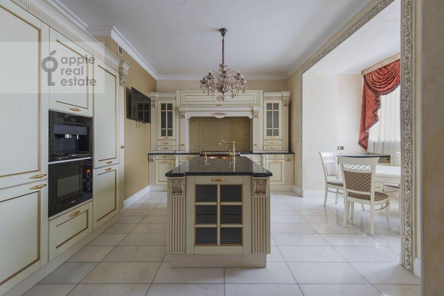 Кухня в 2-комнатной квартире по адресу Профсоюзная улица 96