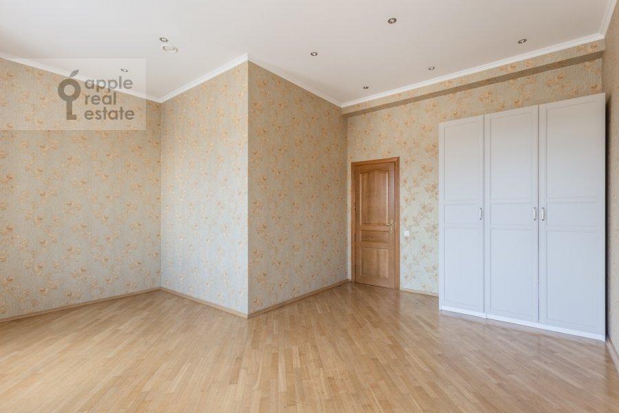 Детская комната / Кабинет в 5-комнатной квартире по адресу Серафимовича ул. 2