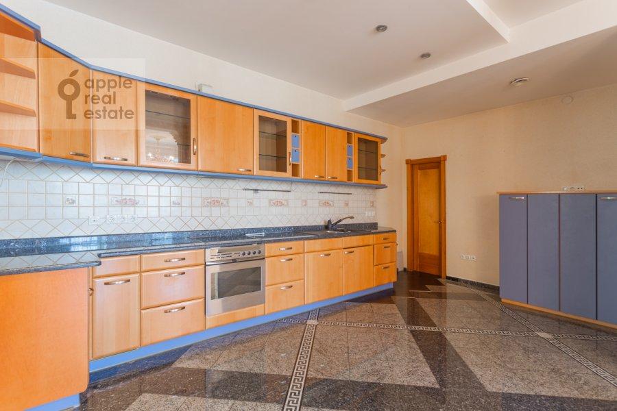 Кухня в 5-комнатной квартире по адресу Серафимовича ул. 2