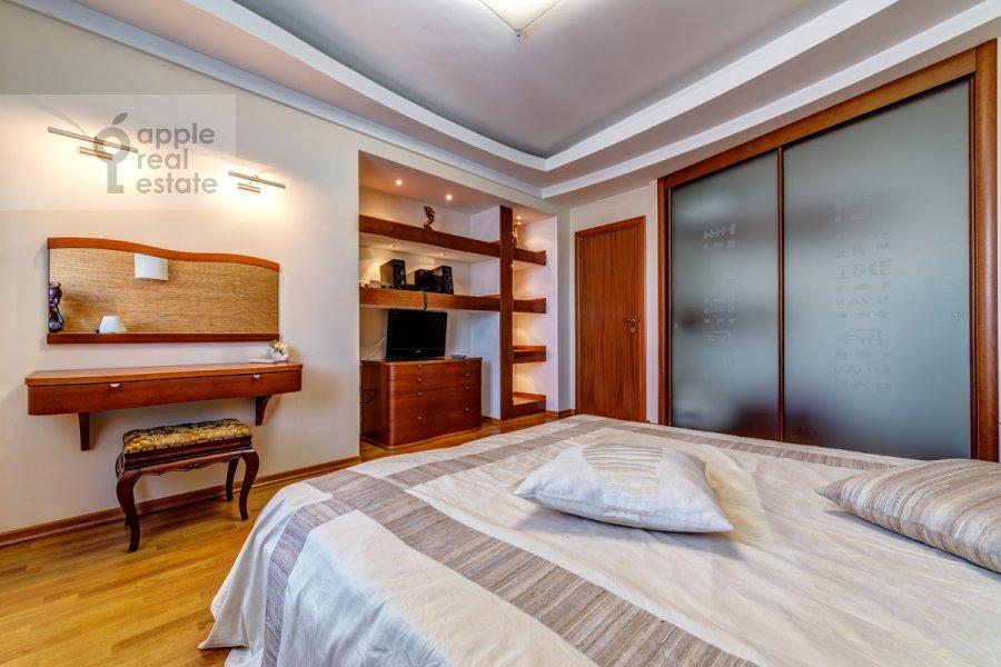 Bedroom of the 3-room apartment at Slesarnyy per. 3
