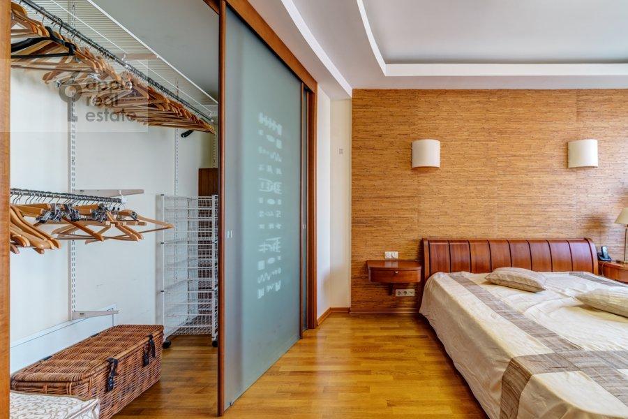 Walk-in closet / Laundry room / Storage room of the 3-room apartment at Slesarnyy per. 3
