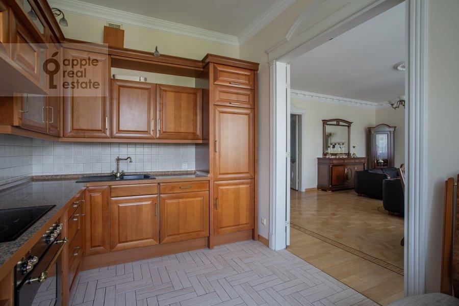 Kitchen of the 3-room apartment at Beregovaya ul. 8k1