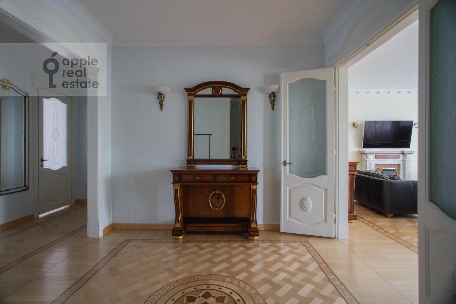 Corridor of the 3-room apartment at Beregovaya ul. 8k1