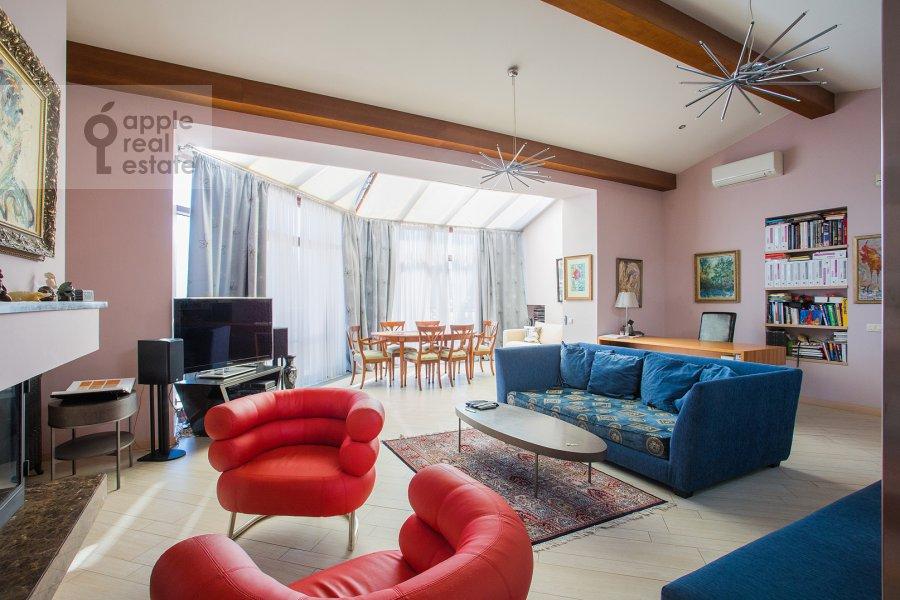 Гостиная в 2-комнатной квартире по адресу Машкова улица 6с1