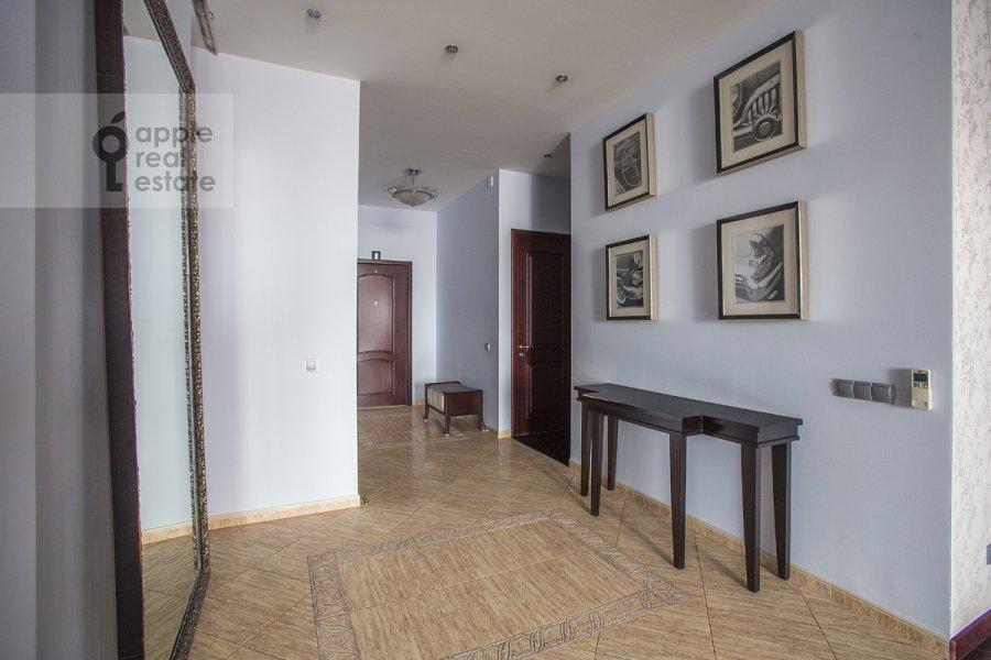 Corridor of the 4-room apartment at Oktyabr'skiy pereulok 5
