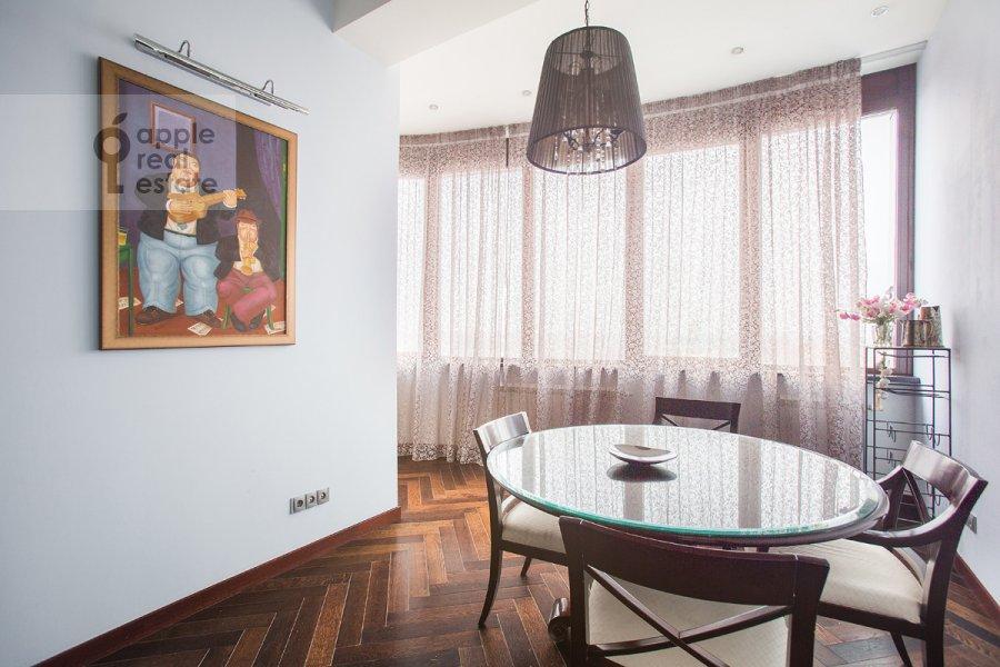 Kitchen of the 4-room apartment at Oktyabr'skiy pereulok 5
