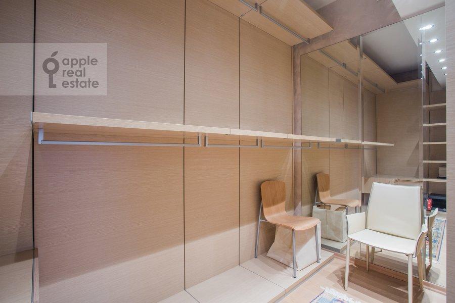 Walk-in closet / Laundry room / Storage room of the 4-room apartment at Bol'shoy Golovin pereulok 2
