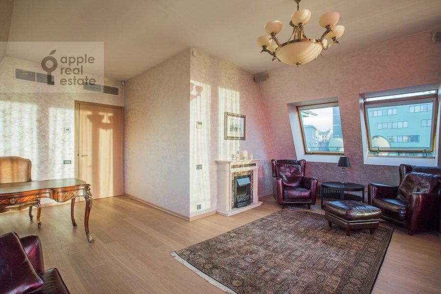 Children's room / Cabinet of the 4-room apartment at Bol'shoy Golovin pereulok 2