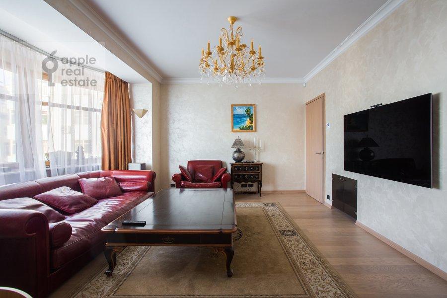 Living room of the 4-room apartment at Bol'shoy Golovin pereulok 2