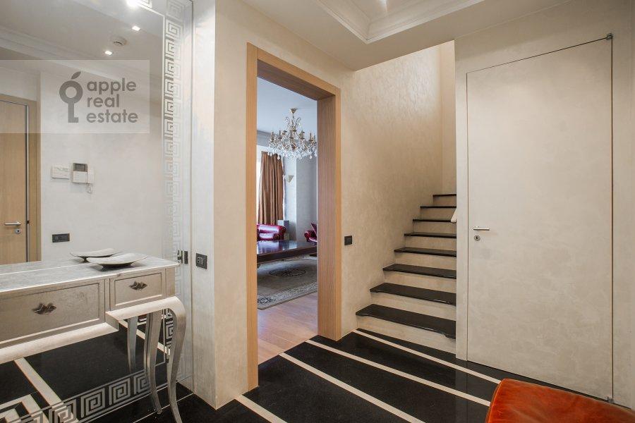 Corridor of the 4-room apartment at Bol'shoy Golovin pereulok 2