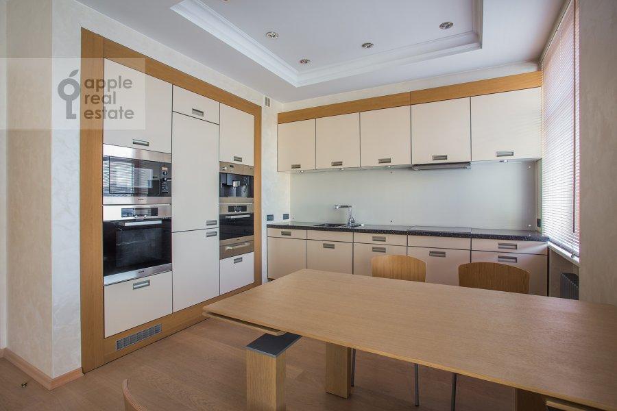Kitchen of the 4-room apartment at Bol'shoy Golovin pereulok 2