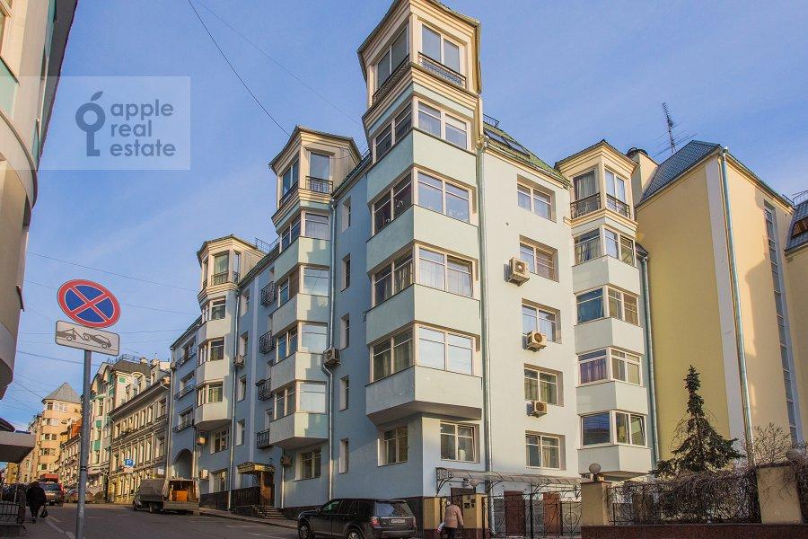 Photo of the house of the 4-room apartment at Bol'shoy Golovin pereulok 2