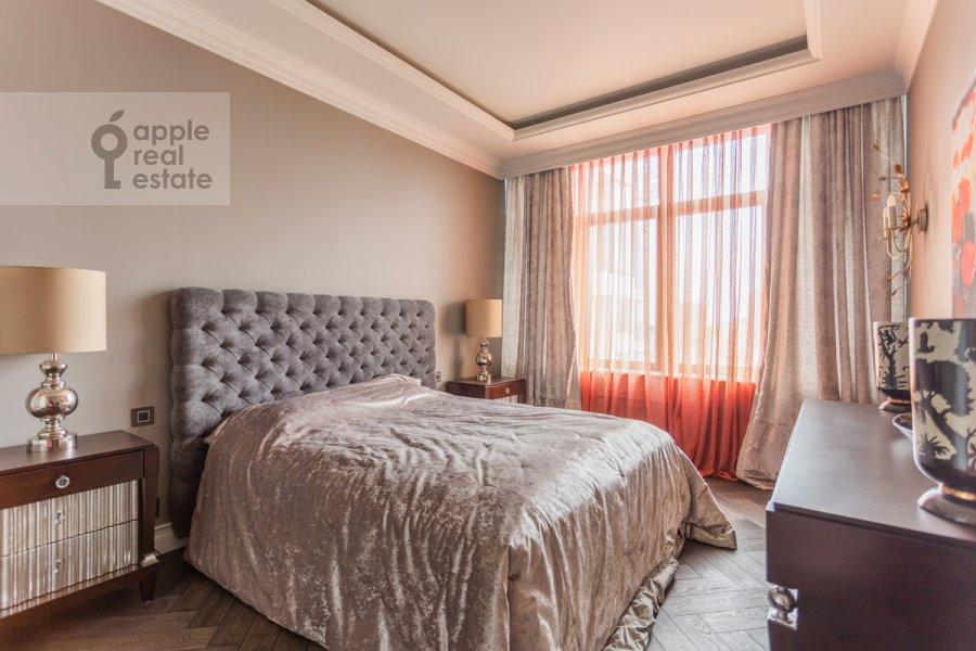 Bedroom of the 4-room apartment at Novyy Arbat ul. 27