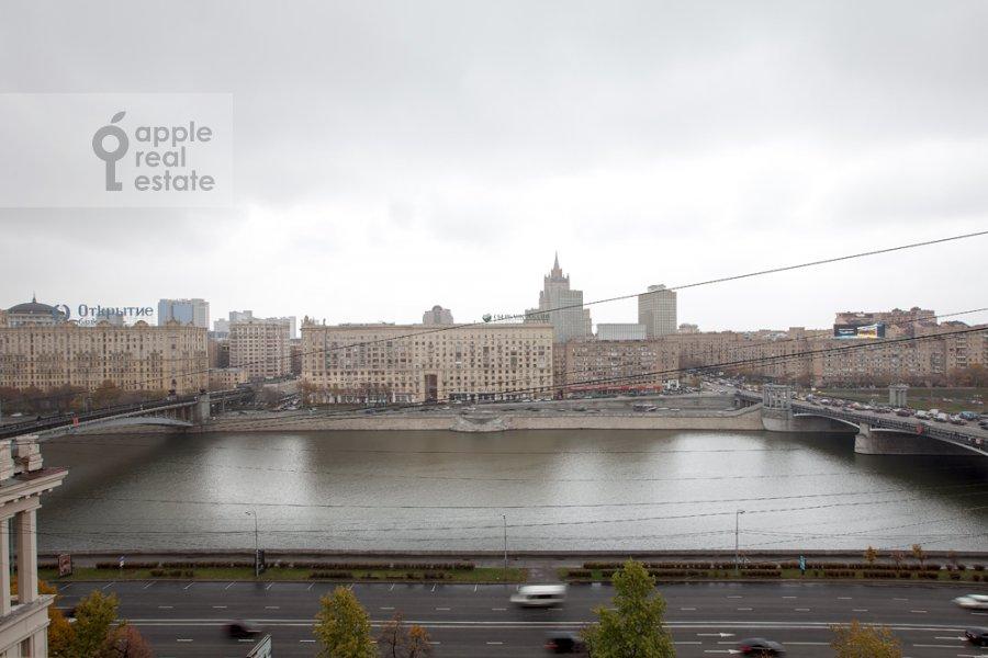 Вид из окна в 4-комнатной квартире по адресу набережная Тараса Шевченко 1