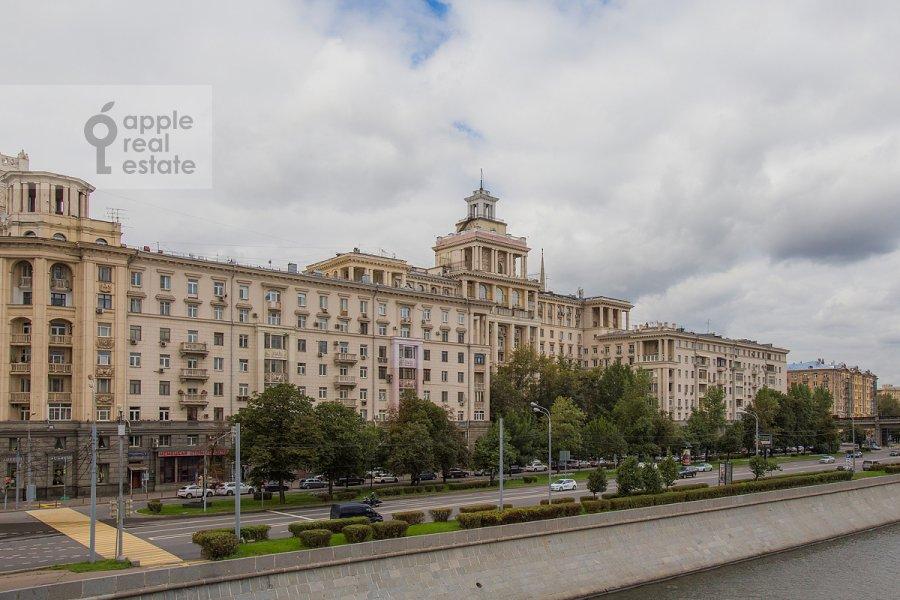 Фото дома 4-комнатной квартиры по адресу набережная Тараса Шевченко 1