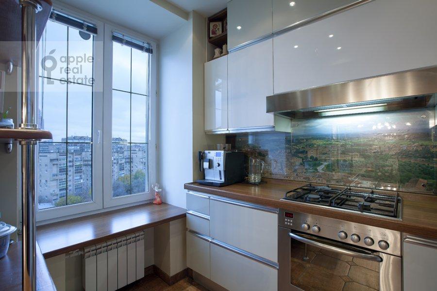 Кухня в 4-комнатной квартире по адресу набережная Тараса Шевченко 1