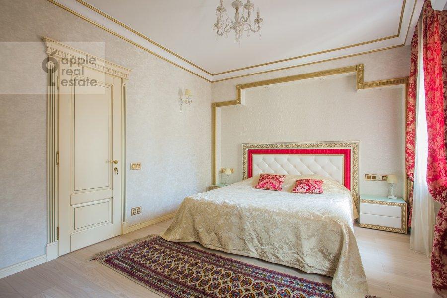 Bedroom of the 5-room apartment at Tverskaya ulitsa 27s1