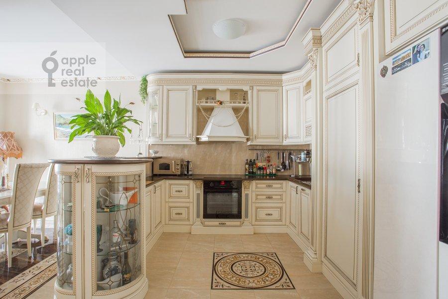 Kitchen of the 5-room apartment at Tverskaya ulitsa 27s1