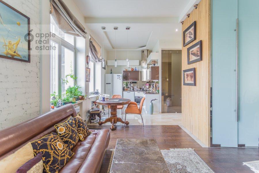 Living room of the studio apartment at Serafimovicha ul. 2